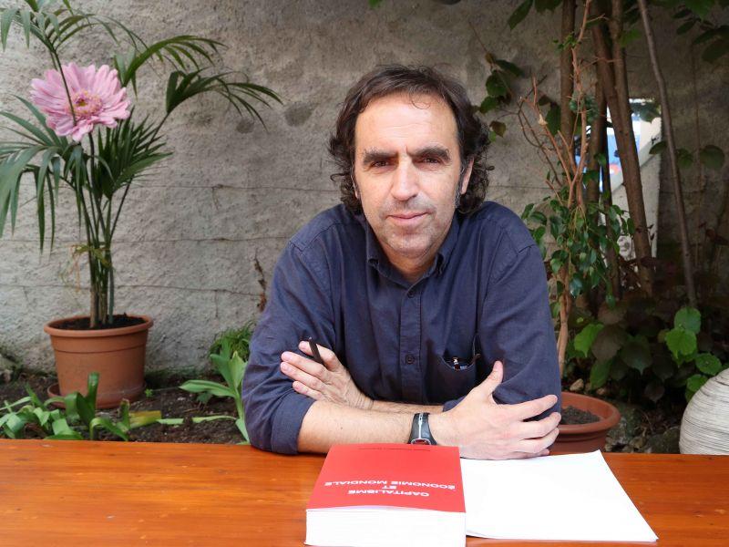 « Dans le capitalisme, il y a non seulement conflit entre détenteurs du capital et travailleurs, mais également entre les capitalistes eux-mêmes, avec une concurrence effrénée, qui aboutit aux guerres » relève Xabier Arrizabalo Montoro.
